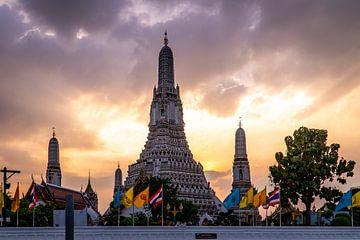 Wat Arun tempel in Bangkok Thailand van Twan Bankers
