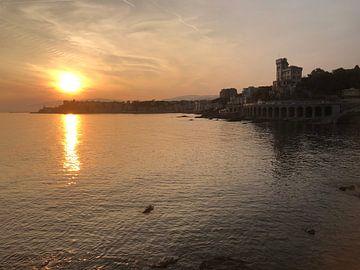 Zonsondergang in Genova van Afrodite Zegers