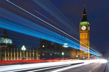 Lichtstrepen bij Big Ben 1/2 te Londen van Anton de Zeeuw