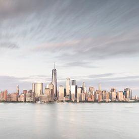 New York City Silver Skyline van Marieke Feenstra