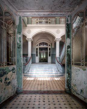 Blick durch Beelitz-Heilstätten von Bjorn Renskers
