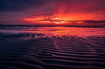 Sonnenuntergang mit Blick über das IJsselmeer von Kor Wijnja