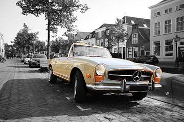 Mercedes Benz vintage retro oldtimer zwart wit goud von Miljko Kucevic