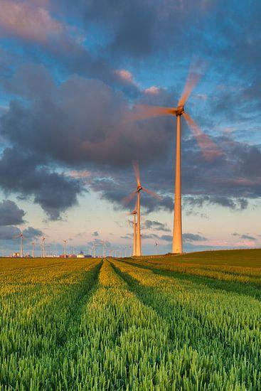 Windturbines in de Eemshaven van Ron Buist