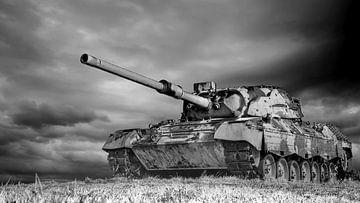 Leopard 1 Kampfpanzer  in schwarz weiß von Günter Albers