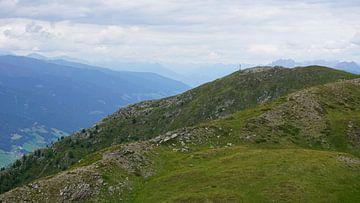 Blick über das Pustertal bis nach Lienz, Tirol (Österreich) von Kelly Alblas