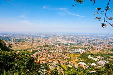 Italië vanuit San Marino gezien. van