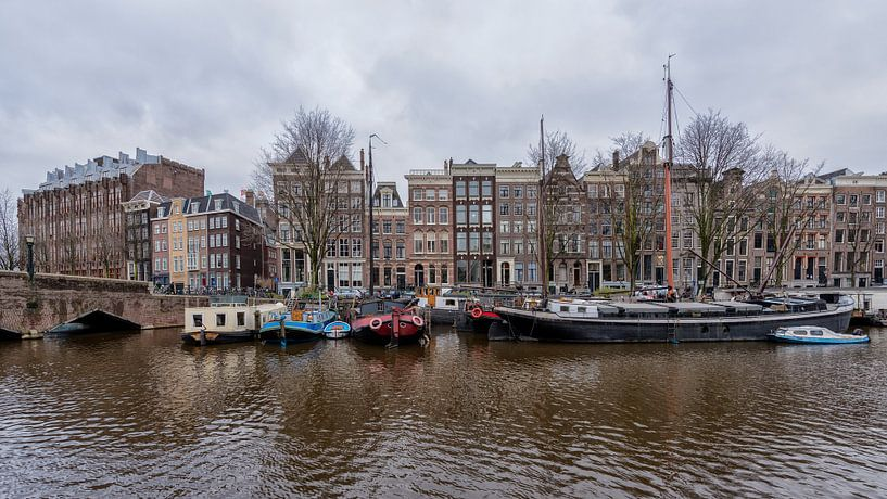 Binnenkant Amsterdam. van Don Fonzarelli