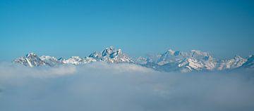 Tannheimer bergen en de Zugspitze in het verre zicht van Leo Schindzielorz