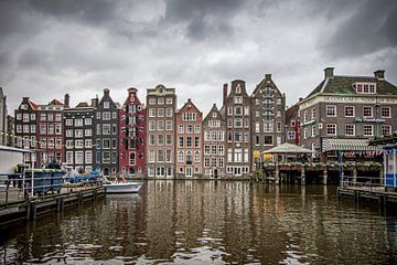 Damrak Amsterdam van Nicky Kapel