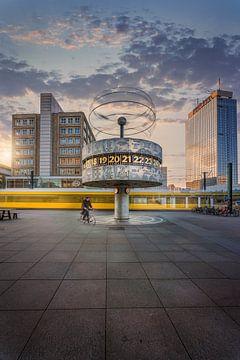 Berlijn wereldtijdklok 2020 van Iman Azizi