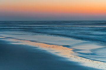 Strand Schoorl blaue Stunde von Bas Verschoor