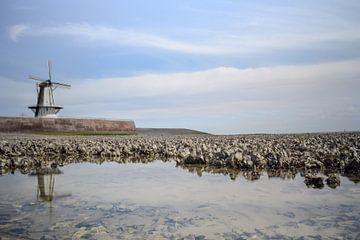 Molen aan het strand in Vlissingen van Kim de Been