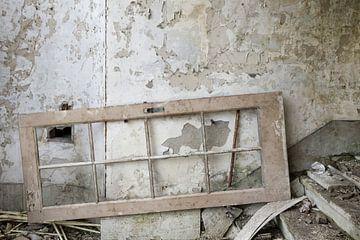 gestrande deur, urbex sur Ada van der Lugt