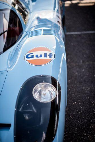 details of the Le Mans Porsche Gulf 01 van