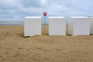 Strandcabines op het strand van Johan Vanbockryck