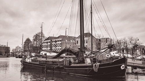 Museumhaven van Gouda in zwart wit