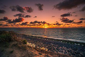 Brouwersdam zonsondergang van Björn van den Berg
