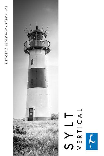 Sylt Vertical Leuchtturm List-Ost (Schwarz-weiß) von Christian Müringer
