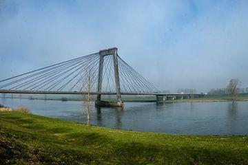 Waalbrug van Ineke Huizing