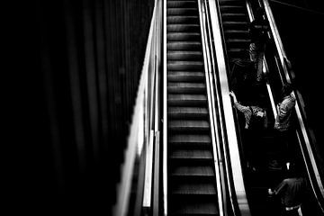 Rolltreppe 2 von Bart Rondeel