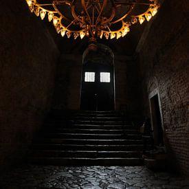 Een donkere trap in de Aya Sophia in Istanboel van Gonnie van de Schans