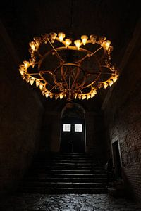 Een donkere trap in de Aya Sophia in Istanboel