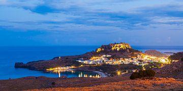 Lindos auf der Insel Rhodos am Abend von Werner Dieterich