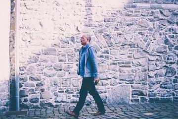 Walking man sur Petra Brouwer