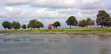 Huisje aan de rivier de Somme van Paula van der Horst