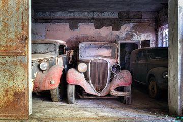 Verlaten Oldtimers in Garage.