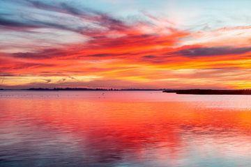 Lauwersmeer na zonsondergang van