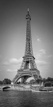 Paris Tour Eiffel & Seine Panorama  | Monochrome sur Melanie Viola