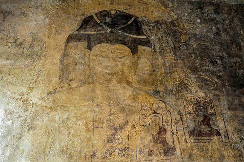 Eeuwenoude Boeddha muurschildering in tempel