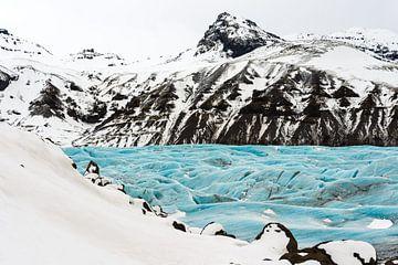 Svinafellsjokull in een sprookjesachtig winterkleed van Gerry van Roosmalen