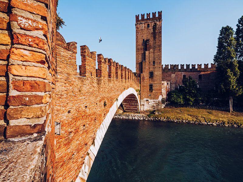 Verona - Ponte Scaligero van Alexander Voss