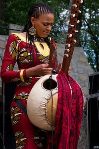 Sona Jobarteh @ Afrikafestival Hertme von Maarten Kerkhof