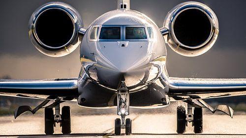 Business Jet verlaat Schiphol van