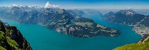 Panorama Vierwaldstättersee vanaf de Fronalpstock van Peter Moerman