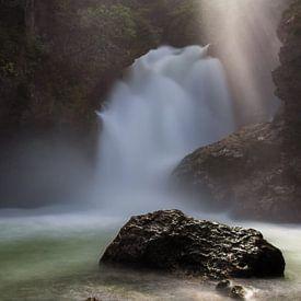 Sunbeam waterfall van Steve Mestdagh