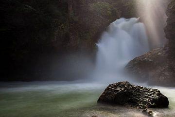 Sunbeam waterfall von Steve Mestdagh