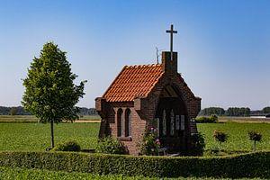 Feldkapelle zu Ehren der Muttergottes der blühenden Betuwe von Anne Ponsen