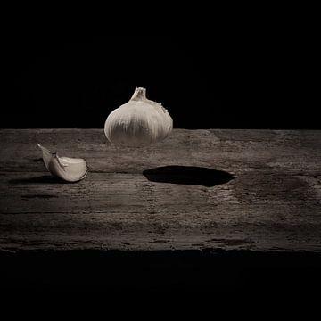 Knoflook - zwart / wit - duotone  print van Ivo Vleugels