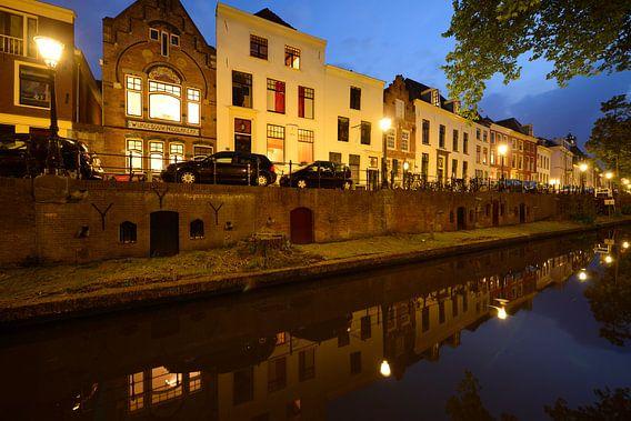 Nieuwegracht tussen Quintijnsbrug en Magdalenabrug van Donker Utrecht