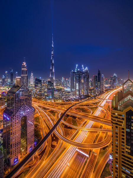 Futuristic Dubai van Ellen van den Doel