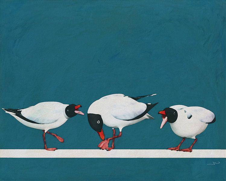 Drie zwarte meeuwen die met elkaar vechten.... van Jan Keteleer