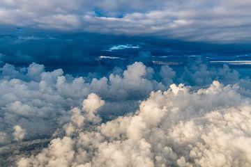 Zwischen den Wolken von Denis Feiner