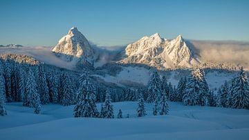 Winterochtend in Mythen van Pascal Sigrist - Landscape Photography