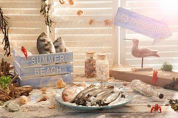 Zonnig tafereel van het strand van Henny Brouwers
