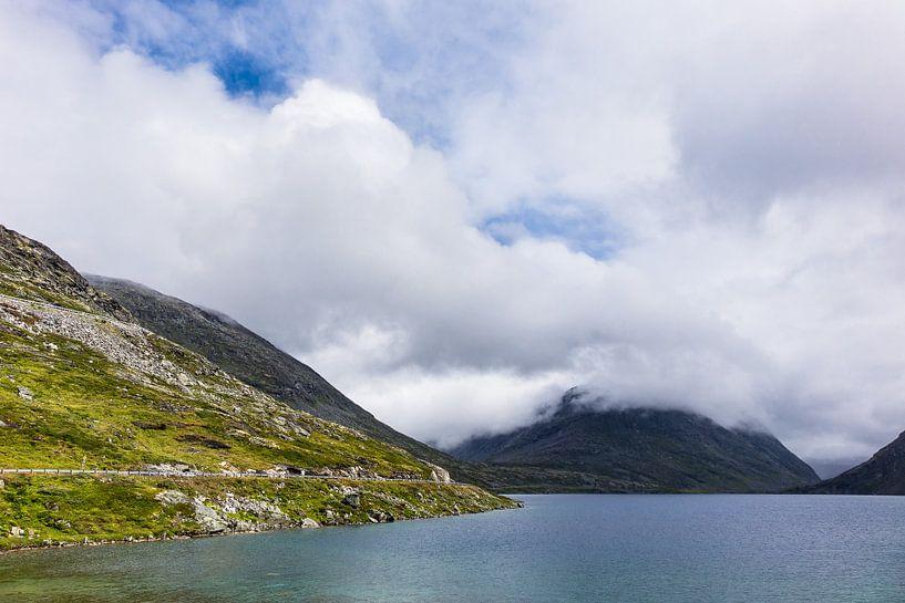 Lake in Norway van Rico Ködder